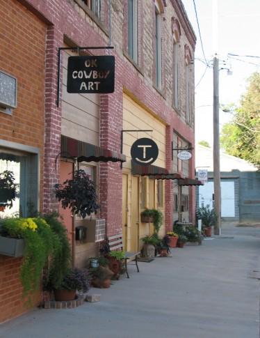 Mangum Artists Alley photo courtesy of Travel OK