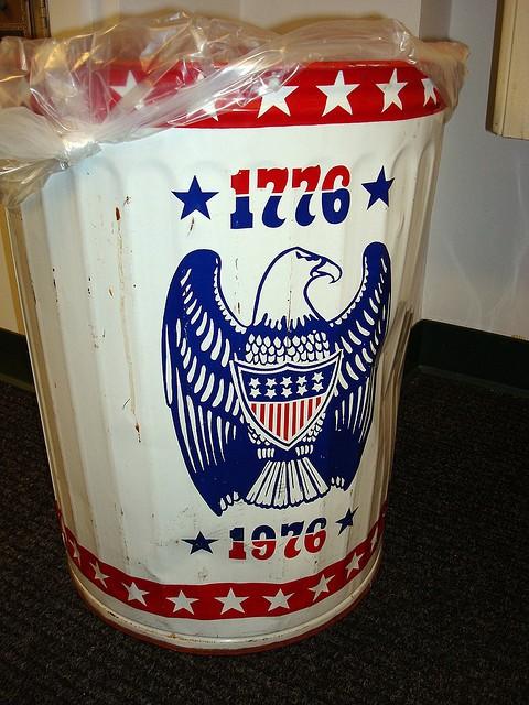 Wastebasket with USA bicentennial eagle