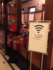 4 Reasons for small towns to setup downtown wifi areas