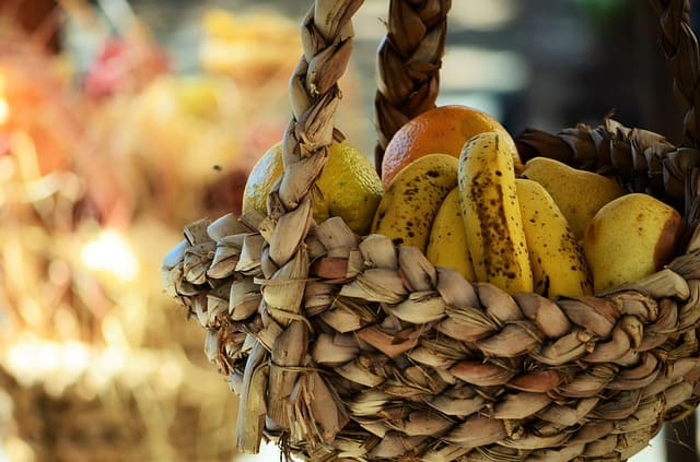 We used to always have bananas to go with the good news in the Brag Basket! Public Domain photo by vanecanavesi