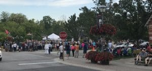 Free concerts draw big crowds, but no one shops local stores