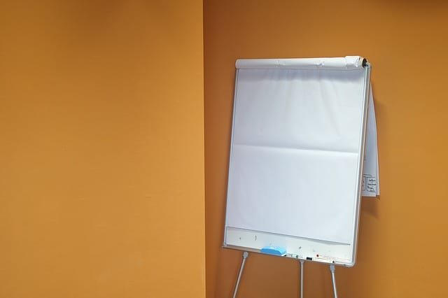 Blank paper flip chart